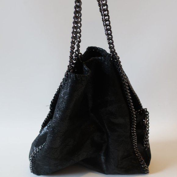 BLOOMINGDALES LEATHER SHEEN CHAIN STRAP HANDBAG *